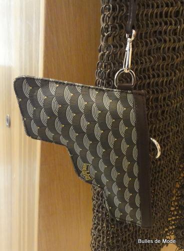 Boutique Fauré Le Page Cambon it-bag monogramme Pochette Gun
