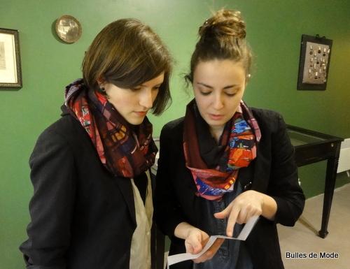 Comment porter un Foulard BettyJanis - dix styles (7)