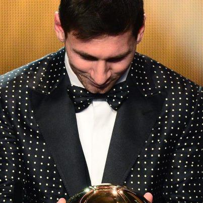 Lionel Messi Ballon d'or et costume à pois Dolce & Gabbana