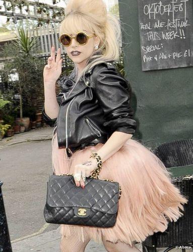 Perfecto et Tutu Lady Gaga