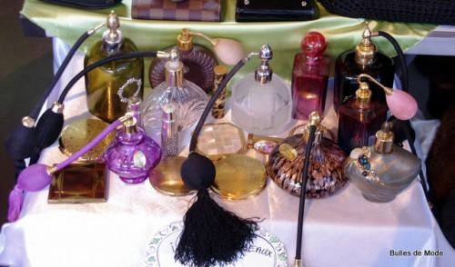 Flacons de parfum poire cristal vintage