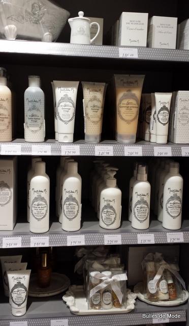 Gamme de cosmétiques parfumés Mathilde M
