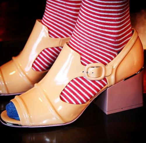 Leandra Medine Man Repeller sandales