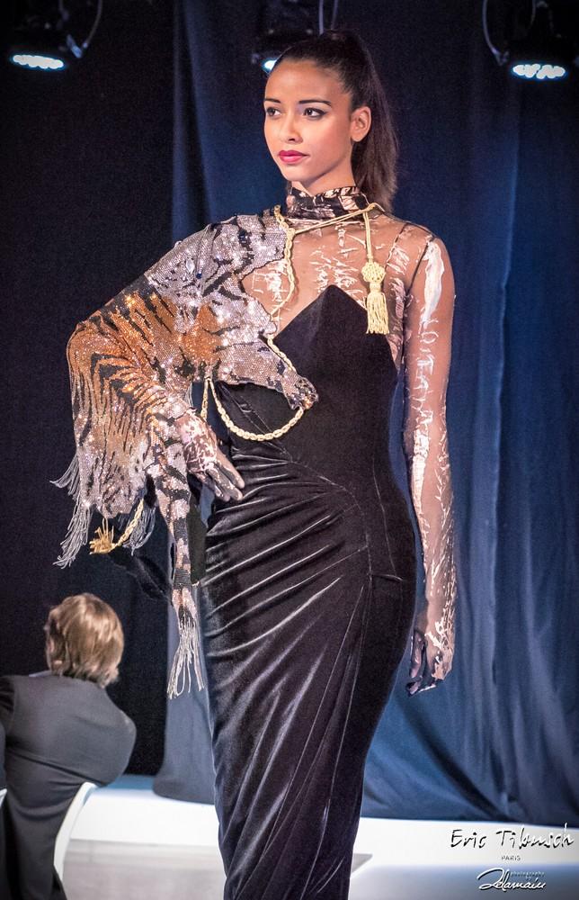 Flora Coquerel en Haute-Couture Eric Tibusch x D. Delamain (25)