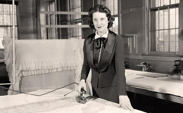 Ironing Woman - Harris & Ewing, 1939.