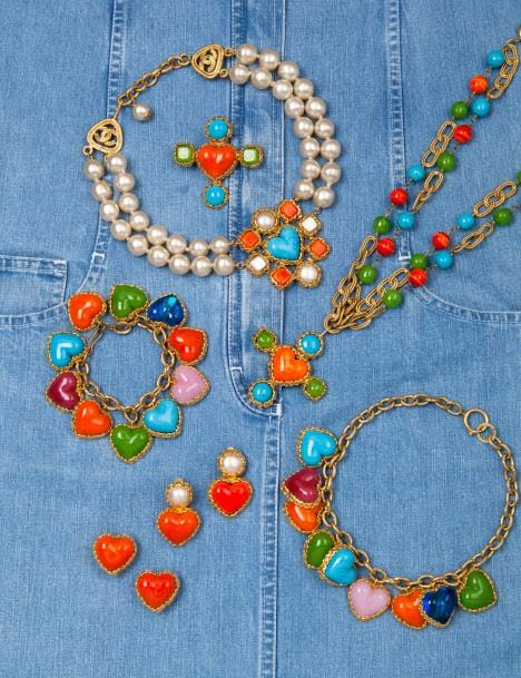 Quelques modèles Couture de la vente de bijoux Chanel - source : Drouot