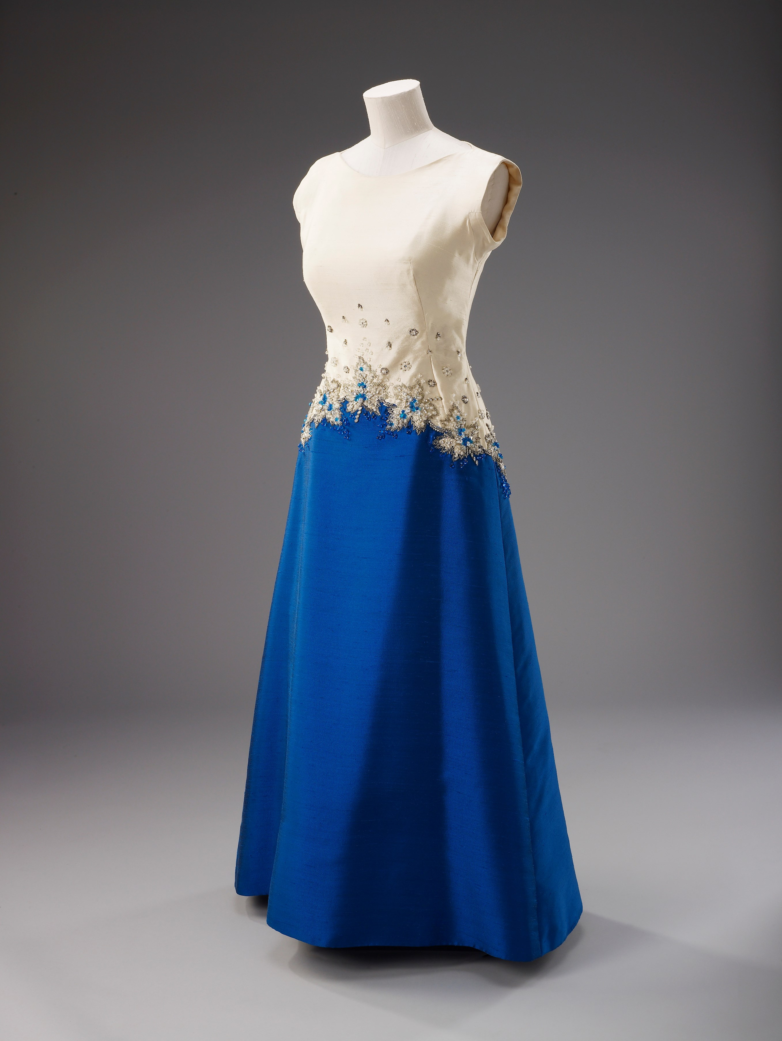 Sir Norman Hartnell, evening dress, 1967. Worn by Her Majesty The Queen in Ottowa to mark the centennial celebrations of the Confederation of Canada.