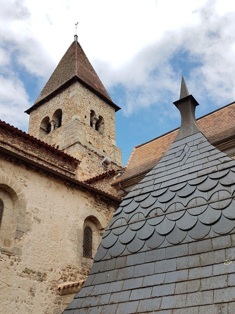 Clocher et clocher Prieuré Pommiers