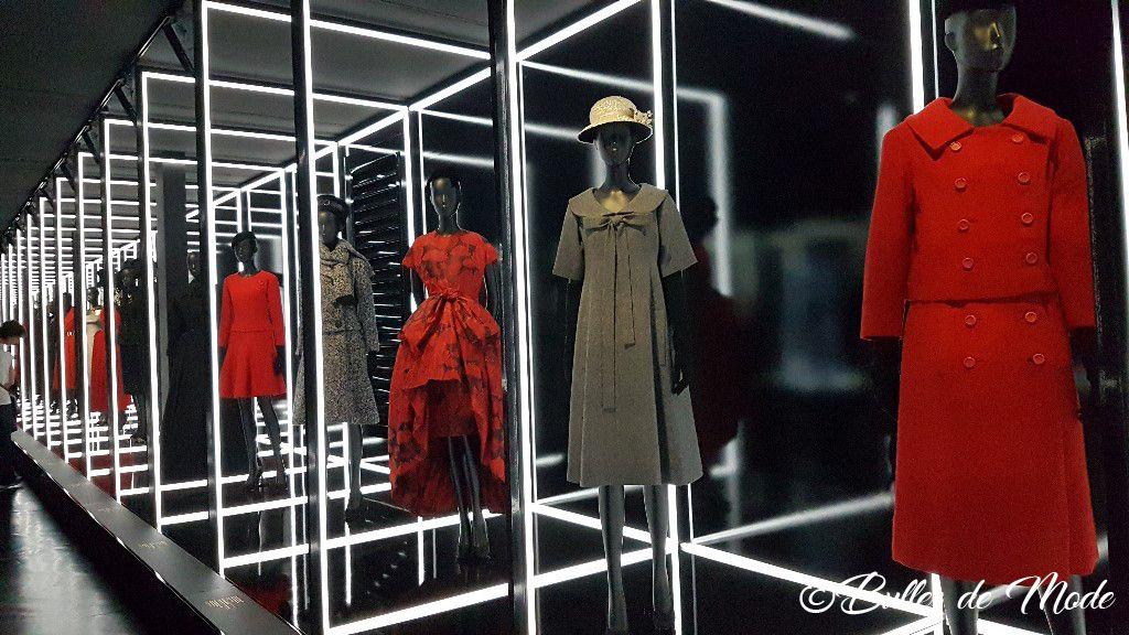 Exposition Dior 70 ans Paris Arts Déco Couloir LEDS