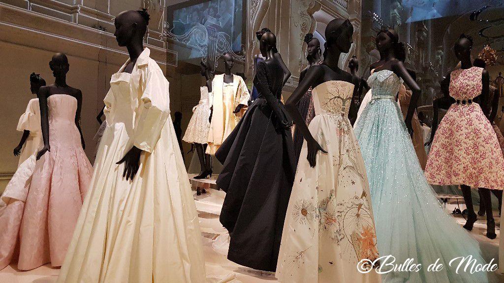 Exposition Dior 70 ans Paris Arts Déco Robe Rihanna