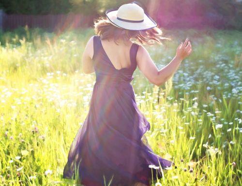 Comment porter une robe longue ? [Conseil Style]