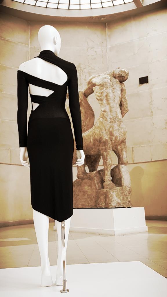 Expo Backside dos à la mode Galliera Paris