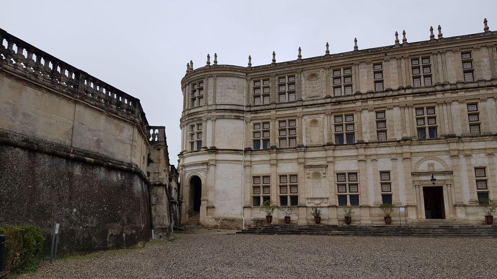 Château de Grignan sous la pluie (1)